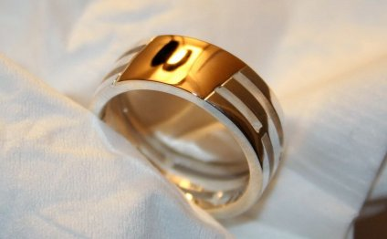 кольцо с янтарем из золота